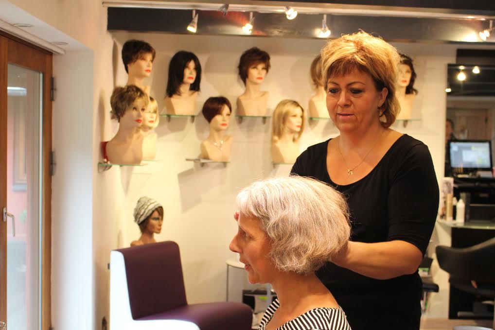 Parykker og hovedbeklædning
