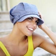 Hovedbeklædning til kræftramte parykspecialisten